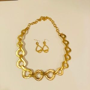 Golden wave Necklace and Earrings by LENOX